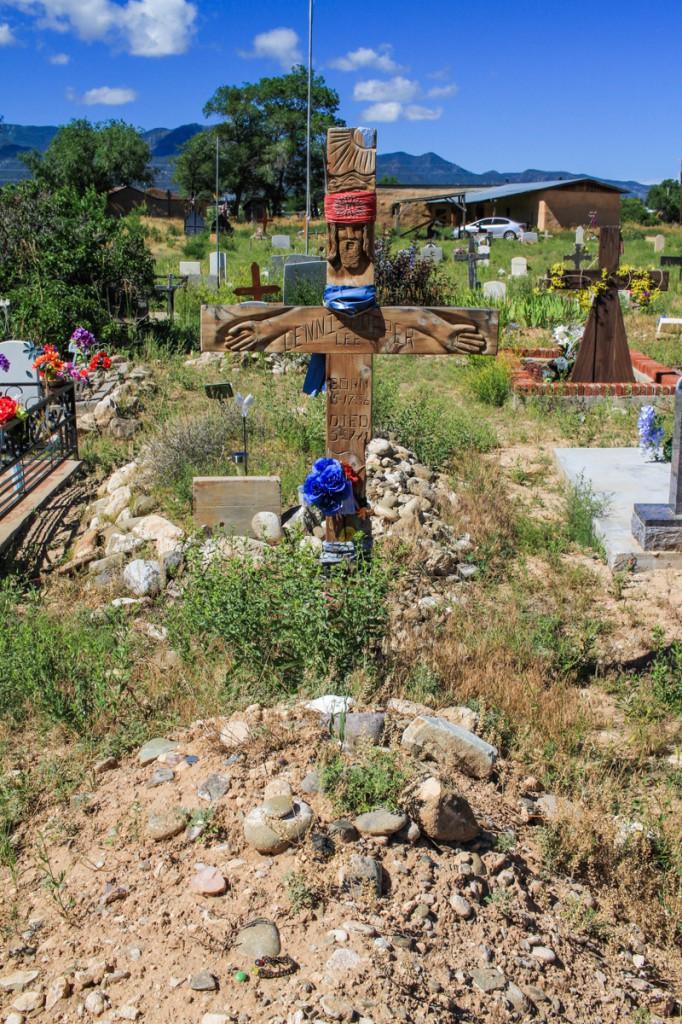 Tumba de Dennis Hopper en el cementerio Jesus Nazareno